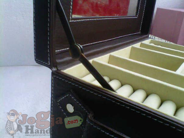 Big Elegan Jewelry Box (4)