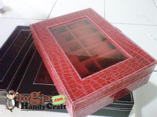 Box Jam Tangan Isi 12 Red Croco