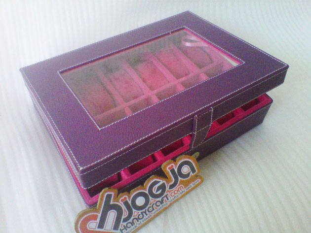Purple Pink Fanta Watch Organizer Isi 12