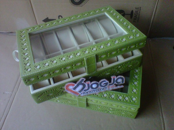 Box Jam Tangan Isi 12 Motif Ukir By Hand Green
