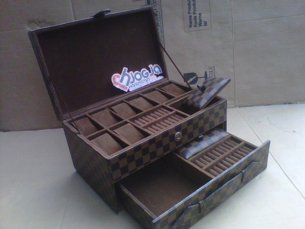 Elegan Watch Box LV Damier Custom By Customer