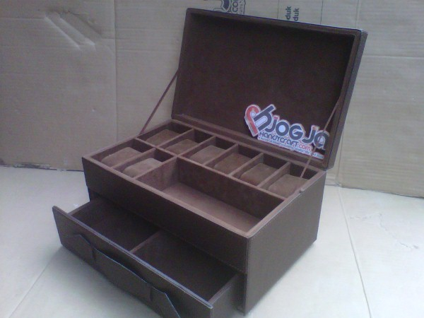Elegan Watch Box Custom By Customer