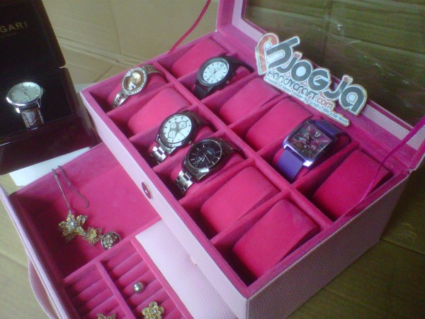 Girly Baby Pink Box Jam Tangan Isi 12 Mix Accesories Drawer