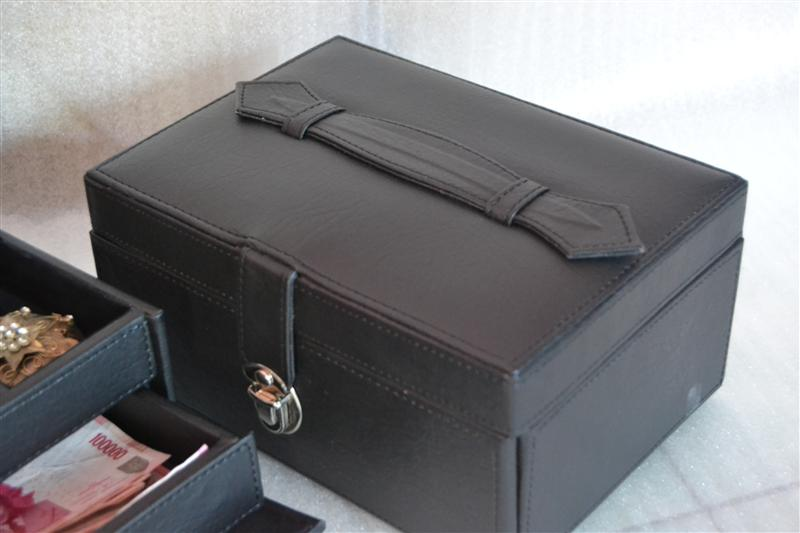 Full black square drawer jewelry box