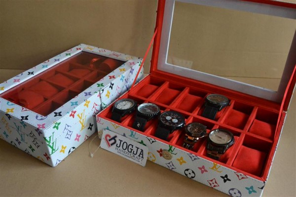 CUTE WHITE LV WATCH BOX FOR 12 PCS WATCHES | KOTAK JAM ISI 12