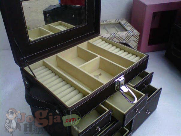 Big Elegan Jewelry Box (3)