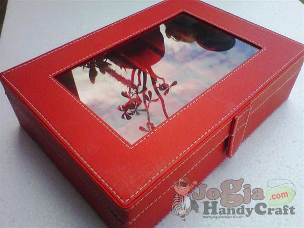 Box Jam Tangan Isi 12