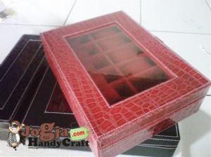 Box Jam Tangan Isi 12 Red Croco