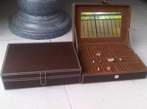 Ring Box - Kotak Cincin Vinyl