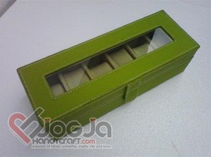 Box Jam Tangan Isi 6 Green Inner Cream