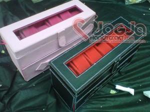 Box Jam Susun Slot 12 Black Pink