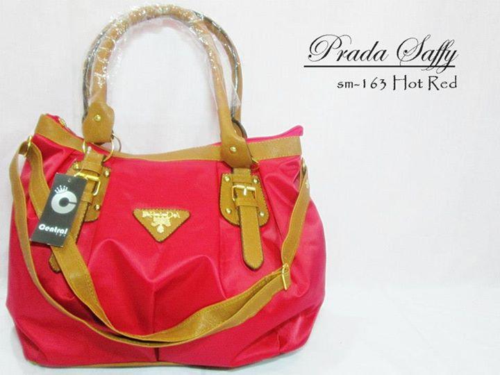 Tas wanita Cantik Prada Saffy Red