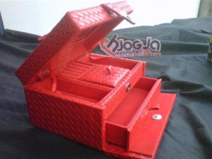 Jewelry Box Kotak Perhiasan