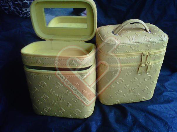 Make Up Case Motif Coco Kuning