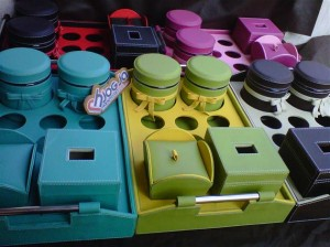 Trayset Toples Isi 2, 6 Aqua Hole, 1 Tissue Box dan 1 Candy jar