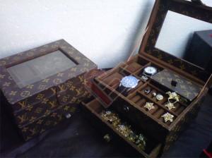 Jewelry Box 3in1 Susun Motif LV Mono Cantik dan Elegan