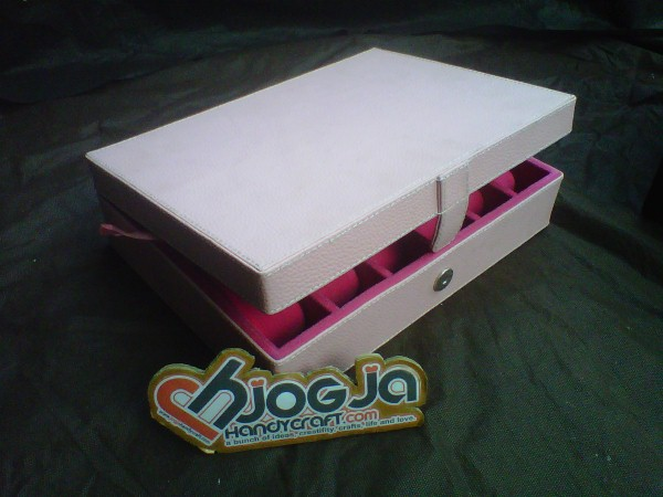 Cute Pink  Box Jam Mix Accesories Holder