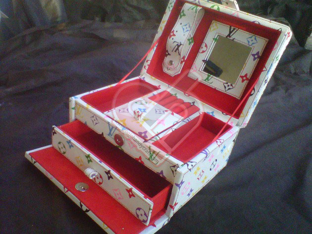 Cute White LV Jewelry Box