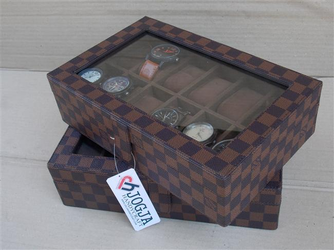 Photo of LV DAMIER WATCH BOX ORGANIZER FOR 12 WATCHES