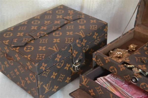 LV Mono jewelry box square drawer