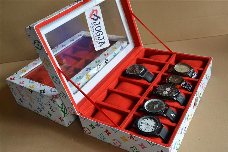 Photo of CUTE WHITE LV WATCH BOX FOR 12 PCS WATCHES | KOTAK JAM ISI 12