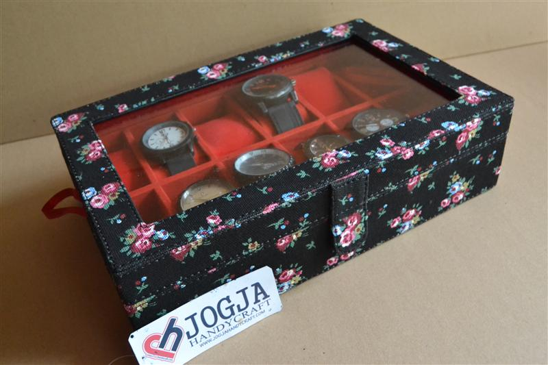 Photo of FLORAL BLACK WATCH BOX FOR 12 PCS WATCHES | KOTAK JAM TANGAN ISI 12