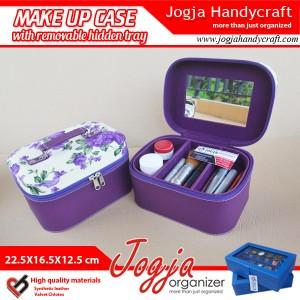 Tas Kosmetik Cantik dan Praktis Untuk Peralatan Make Up Kamu